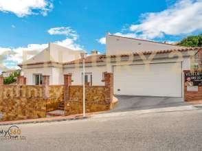 Casa en Avenida Águila Coronada