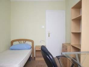 Habitación en calle Torreta de Miramar, nº 4
