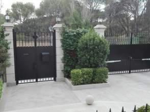 Chalet pareado en Diplomaticos