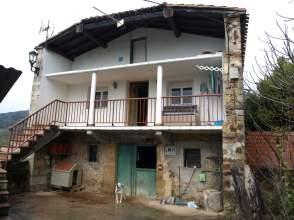 Casa unifamiliar en calle Ahedo (A 6Km.De Ampuero)