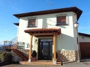 Casa unifamiliar en Avenida Al Caparea, nº 32