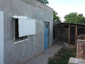 Chalet pareado en Garrapinillos
