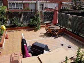 Chalet pareado en calle Jose Trueta