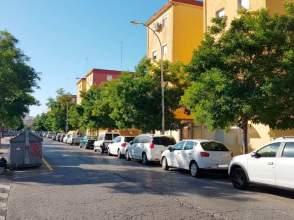 Garajes de obra nueva y trasteros en san pablo santa justa for Pisos en san pablo sevilla