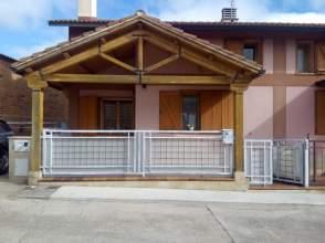 Casa adosada en calle Huida