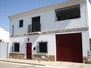 Casa en Avenida Rodanderos