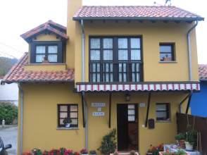 Casa adosada en calle La Oliva, nº 45