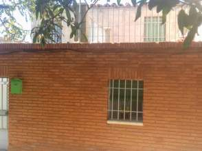 Casa adosada en calle Vistillas, nº 24