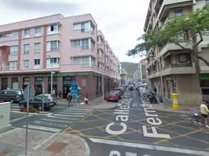 Apartamento en calle Profesor Armas Fernández, nº 11