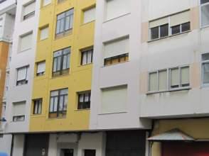 Piso en Avenida Rosalía de Castro, nº 67