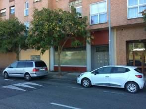 Local comercial en calle Ximenez de Rada