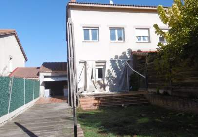 Casa adosada en Villariezo
