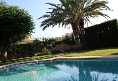 Chalet in Carrer Puig Campana