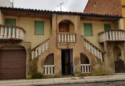 Building in Villacedré