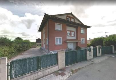 Casa aparellada a Uterga