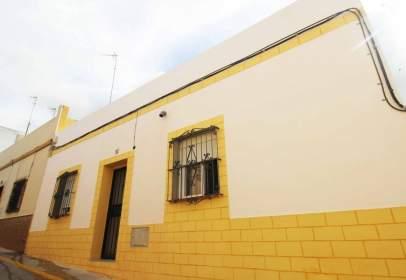 Casa en Núcleo Urbano