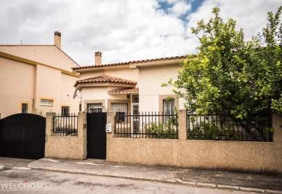 Chalet en calle de la Comarca Valle de la Vera, cerca de Calle de la Comarca de las Villuercas