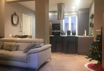 Flat in calle Plaza Campuzano