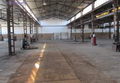 Industrial Warehouse in calle de Candado