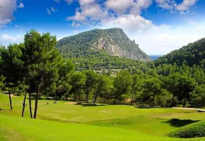 Land in calle Club de Golf Roca Llisa