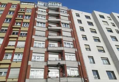 Apartamento en calle de José Cueto, cerca de Calle del Prado