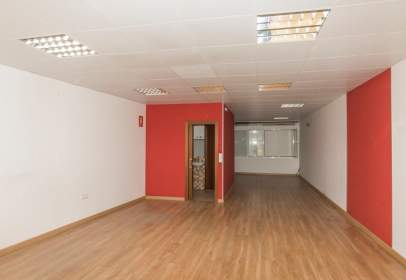 Commercial space in Villadecanes