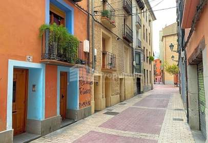 Edificio en calle de Arnaldo Alcober