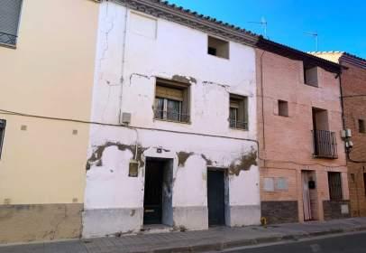Casa en calle de Francisco Pradilla, cerca de Calle Francisco Goya