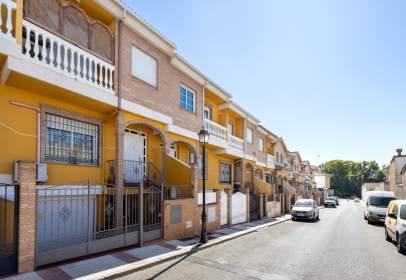 Casa adosada en calle Enebro, nº 20