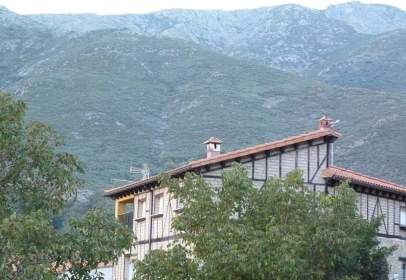 Edificio en Guijo de Santa Bárbara
