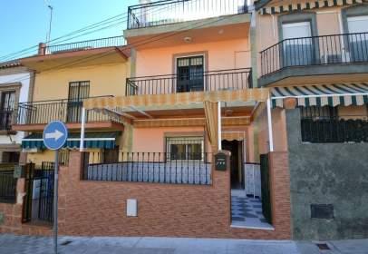 Casa adosada en calle de Huelva, nº 108