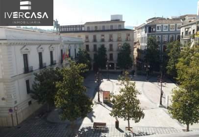 Piso en calle Reyes Católicos, cerca de Calle Salamanca