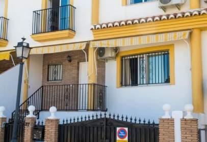 Terraced house in calle de Carmen de Michelena