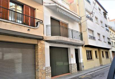 Casa adossada a Carrer de Villarroel