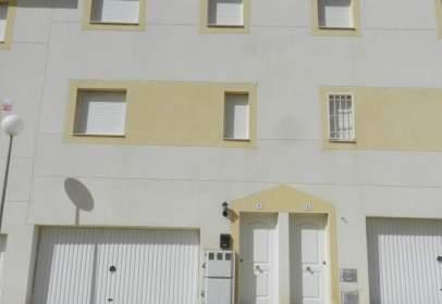 Casa adosada en calle Alfonso Yunta
