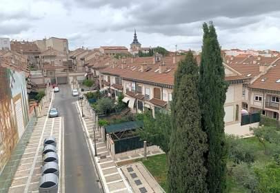 Pis a calle de Mariano González, prop de Calle de San Roque