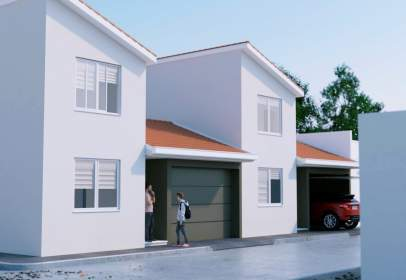 Casa adosada en calle de las Acacias