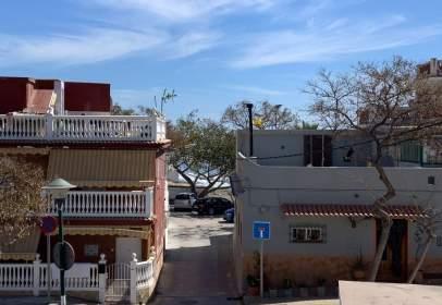 Casa adosada en calle Escritora García de Frecieyri