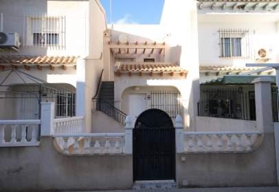 Casa en calle Belice