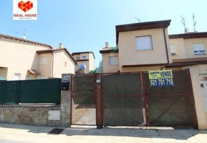 Casa adosada en calle Margarita
