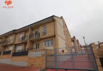 Terraced house in Carretera de Valladolid