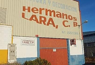 Nau industrial a Carretera de Madrid a Lisboa