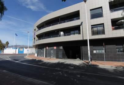 Garatge a Avenida de Julio Moreno, prop de Calle Traiña San José de la Montaña