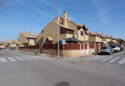 Casa adossada a calle Aldebarán
