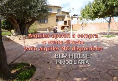 Casa aparellada a Serranillos del Valle
