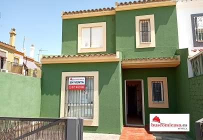 Casa adosada en Pilas