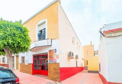 House in calle de Granada, near Calle de Tarragona