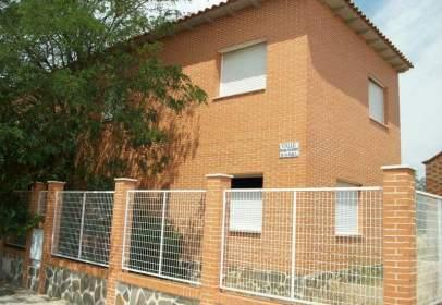 Casa adossada a calle Pedro Calderón de la Barca