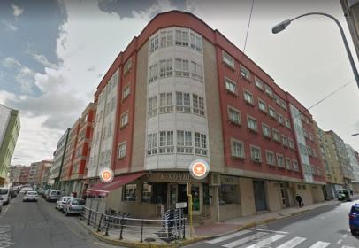 Almacén en calle de la República Argentina