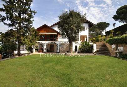 Casa a Vallgorguina
